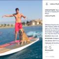 【動画】愛犬とウェイクサーフィン対決